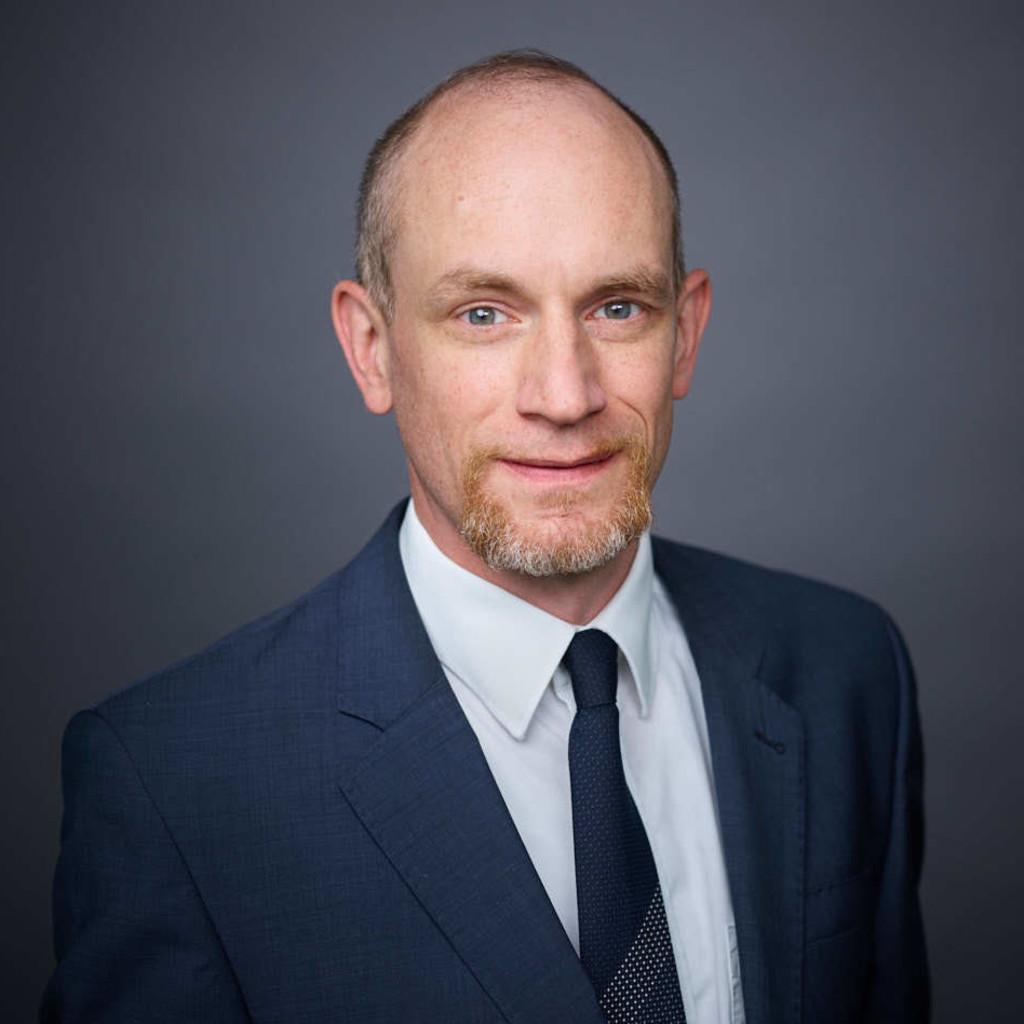 Christopher fink personalleiter human resources for Juristischer mitarbeiter
