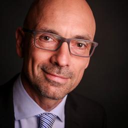 Dr. Michael Lucht