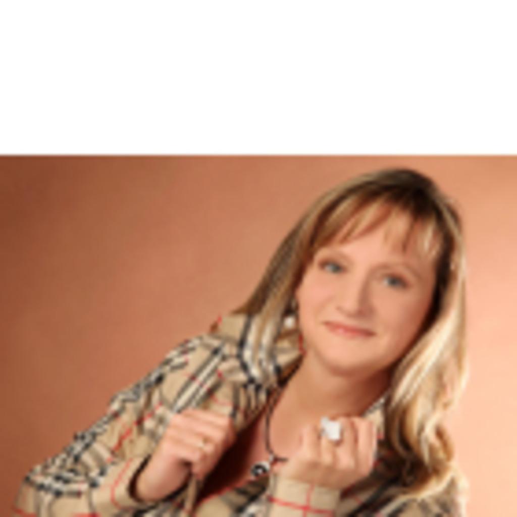 Brigitte berghofer exportsachbearbeiterin gl pharma xing for Brigitte hachenburg versand