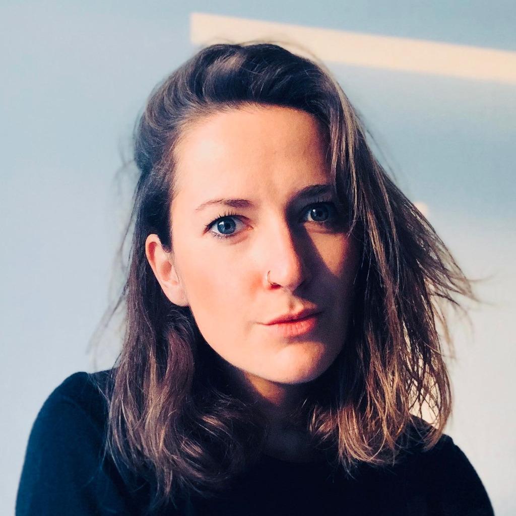 Ramona junggeburth senior art director digital scholz for Art director jobs berlin