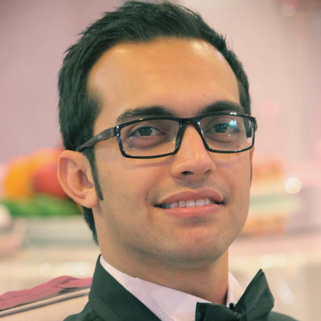 Moein banihashemian junior consultant mhp a porsche for Junior consultant