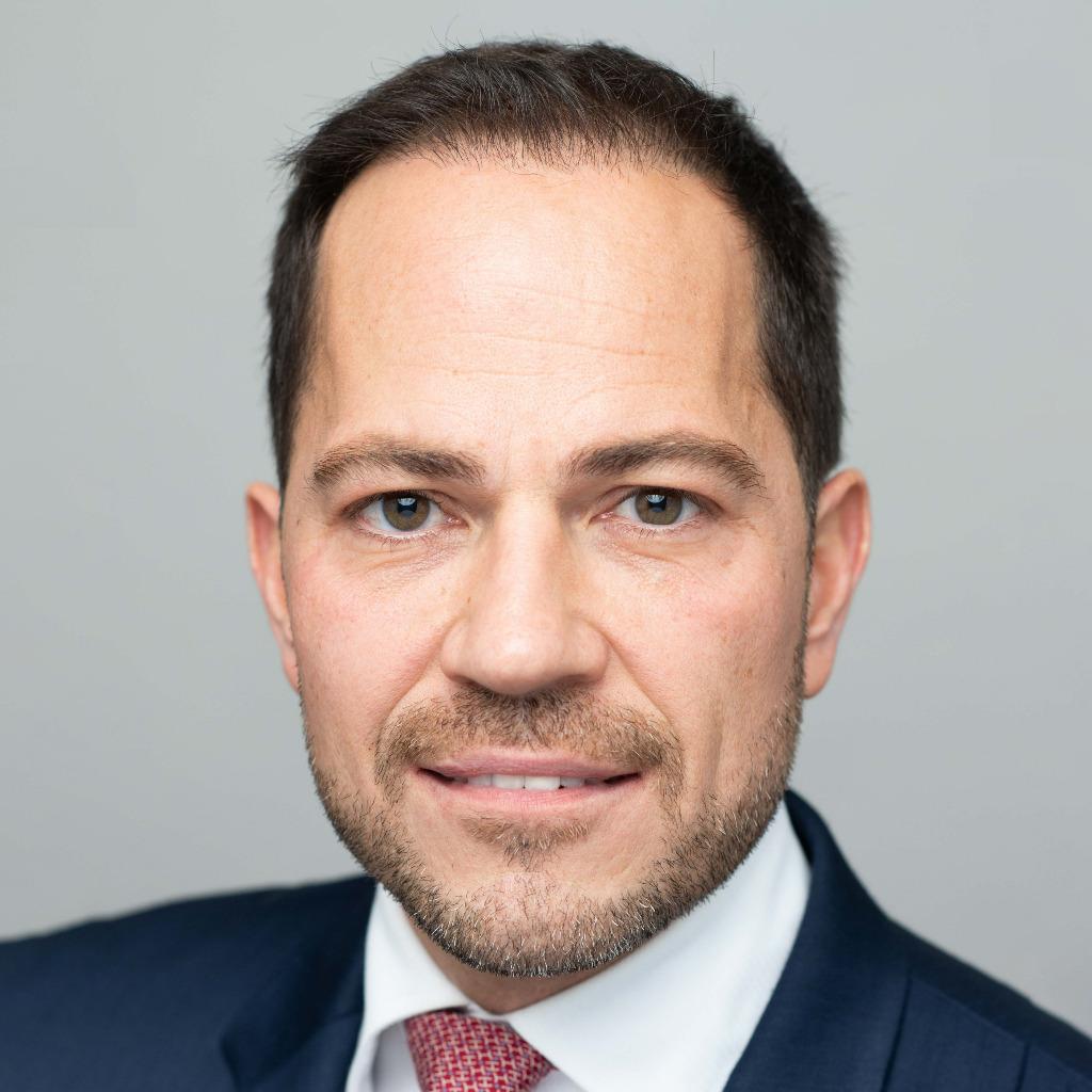 Michael ruiss managing director top magazin frankfurt for Grafikdesigner ausbildung frankfurt