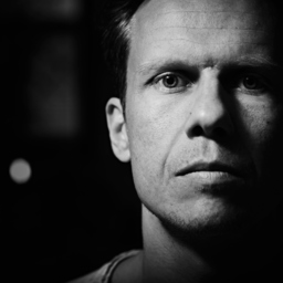 Mathias Skrypek - zart & zornig - Musik trifft Design - Sangerhausen