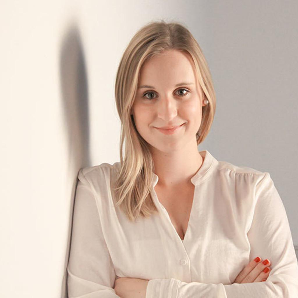 julia leibetseder junior account manager serviceplan. Black Bedroom Furniture Sets. Home Design Ideas