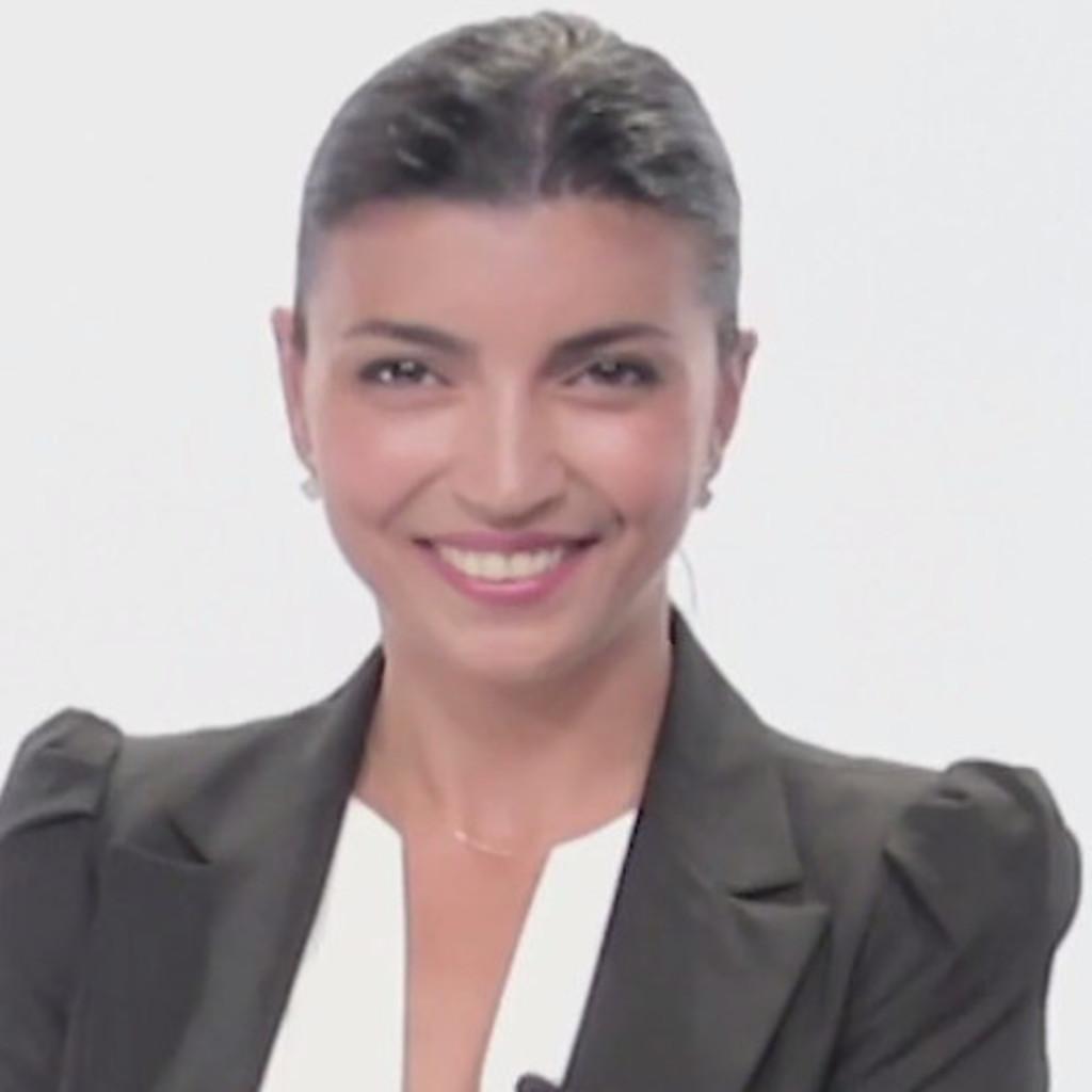 Dr tukezban huseynova ophthalmologist klinikum wels for Wohndesign einrichtungs gmbh wels