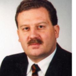 Rolf Sterzinger - Sterzinger Management GmbH, Unternehmensberatung, Projekt und Interimsmanagement - Kronberg