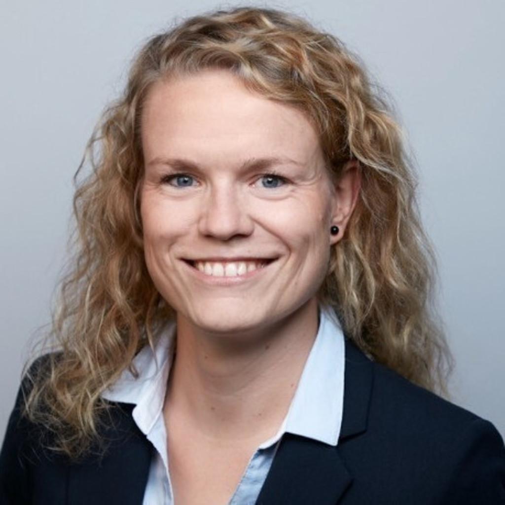 Julia Loth - Assistentin des Klinikdirektors - Uniklinikum