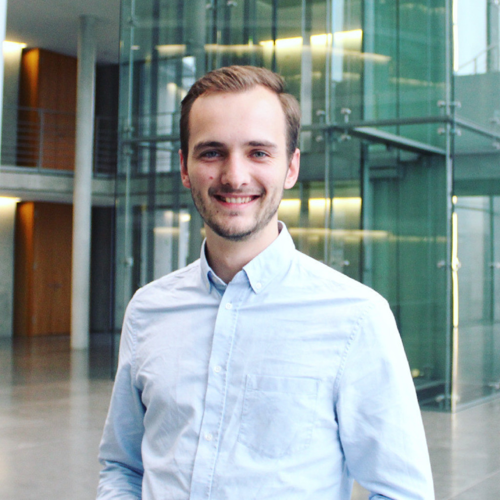 Michael neuner vertriebssteuerung deutsche bank privat for Bekannte produktdesigner