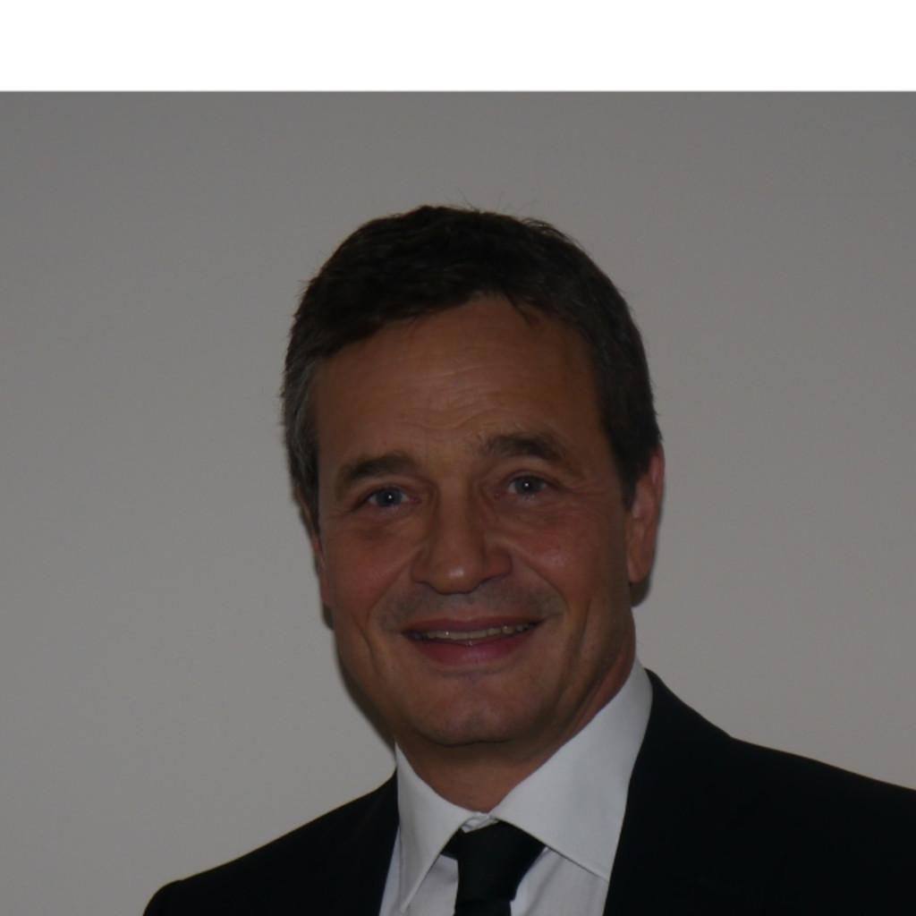 Michael Betzelt - Geschäftsführer - E.A.Cosmetics Distributions GmbH ...