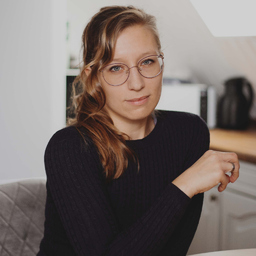 Ann-Kathrin Wiebesiek - Federleicht - Texte, PR& Kommunikation - Vlotho-Exter