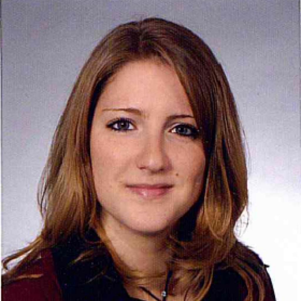 Julia Beyer Vertriebsinnendienst Key Account Automotive