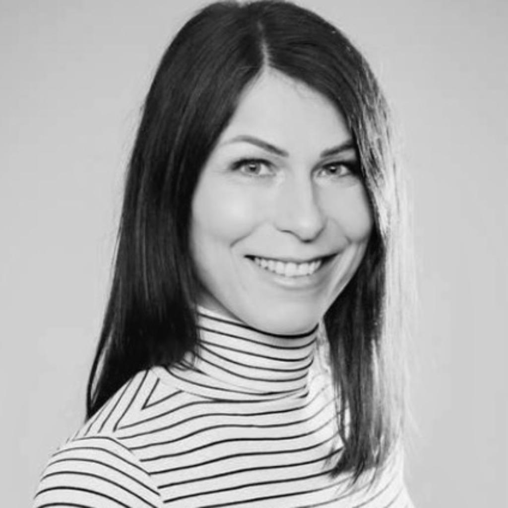 Ingrid repukat senior brand consultant knsk brand lab for Brand consultant