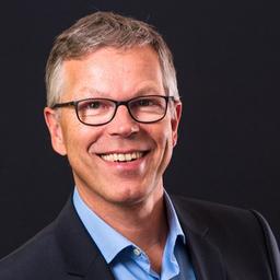 Dr. Jens Braak