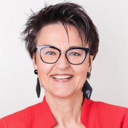 Ulrike Aichhorn - Keynote Speakerin & Strategin zu WIRTSCHAFTSMACHT KUNDIN - Salzburg - München - Frankfurt - Berlin - Zürich