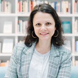 Jasmin Özlem - strg GROW - Stuttgart