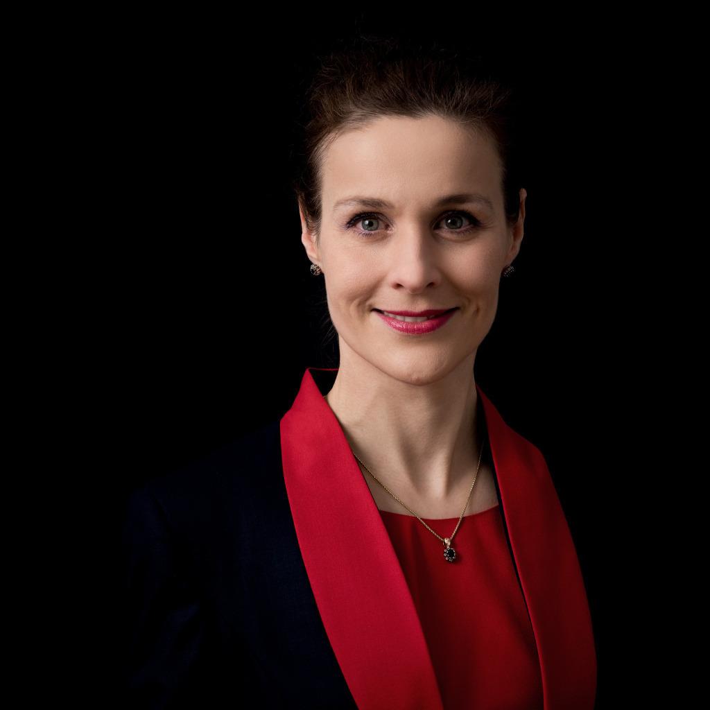 Martina Gedeck Jung