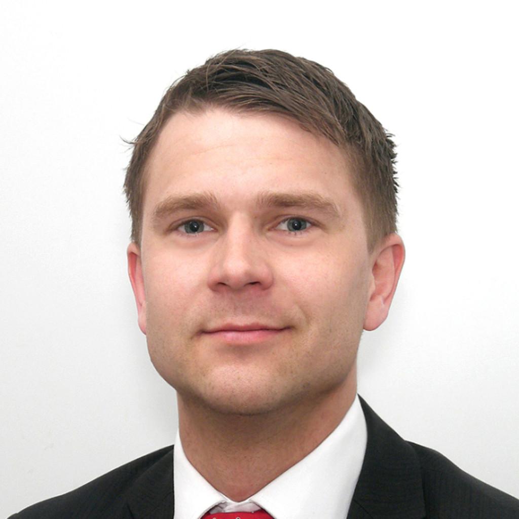 Henrik pettersson junior consultant roland berger for Junior consultant