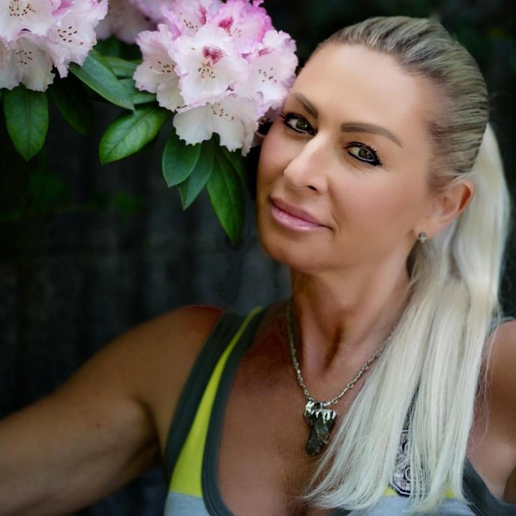 yulia shraer wellnessmasseurin mobile massage xing. Black Bedroom Furniture Sets. Home Design Ideas