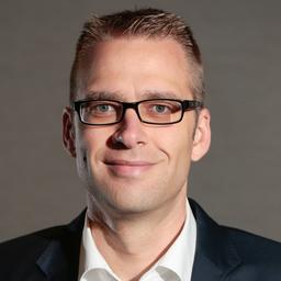 Dr. Stefan Karenfort