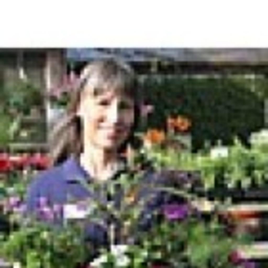 Debbie deloach owner debbie deloach ph d garden for Garden consultant