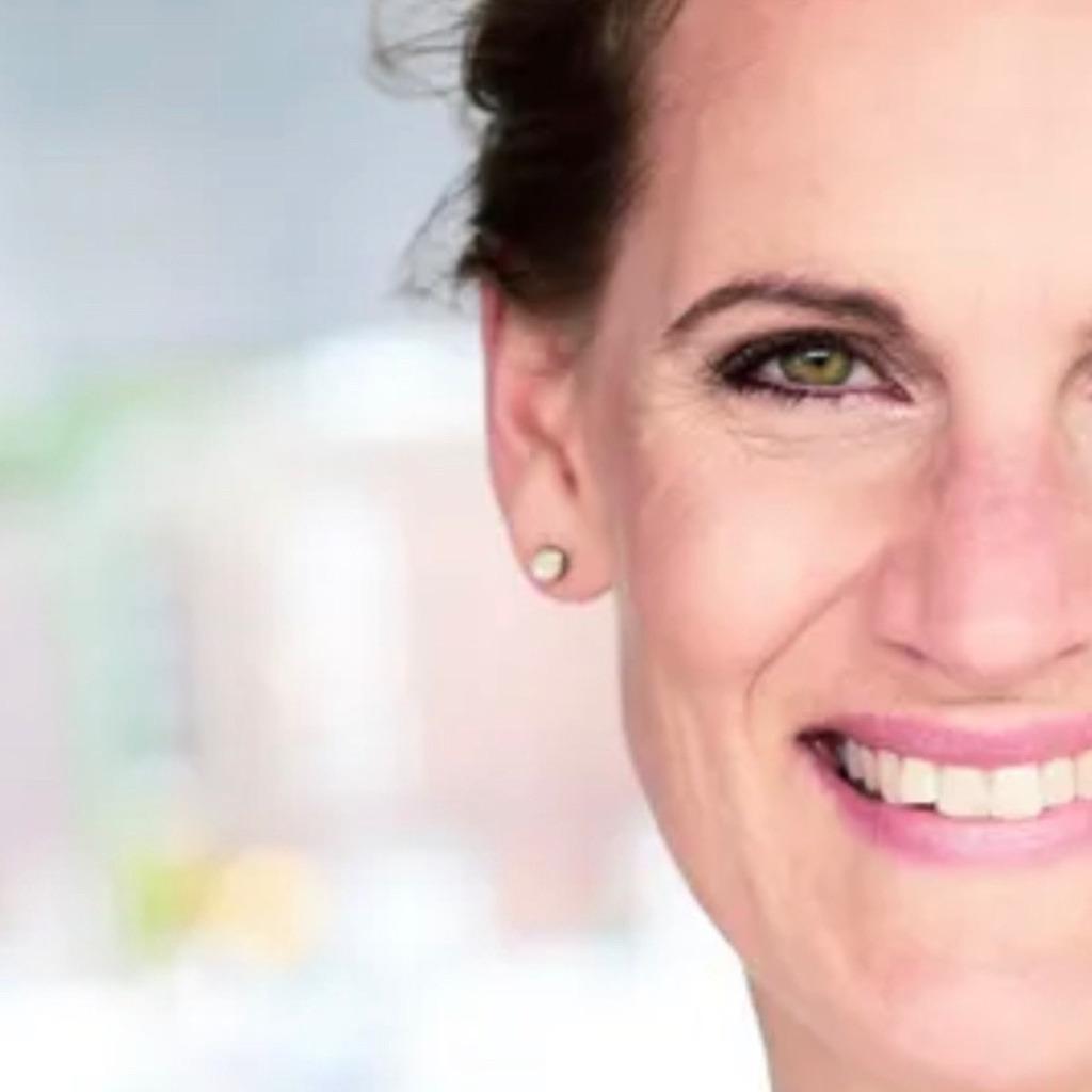 Nicole Ahles's profile picture