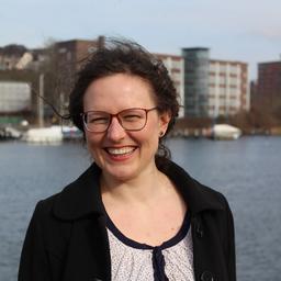 Dr Iris Hölken - Phi-Stone AG - Kiel