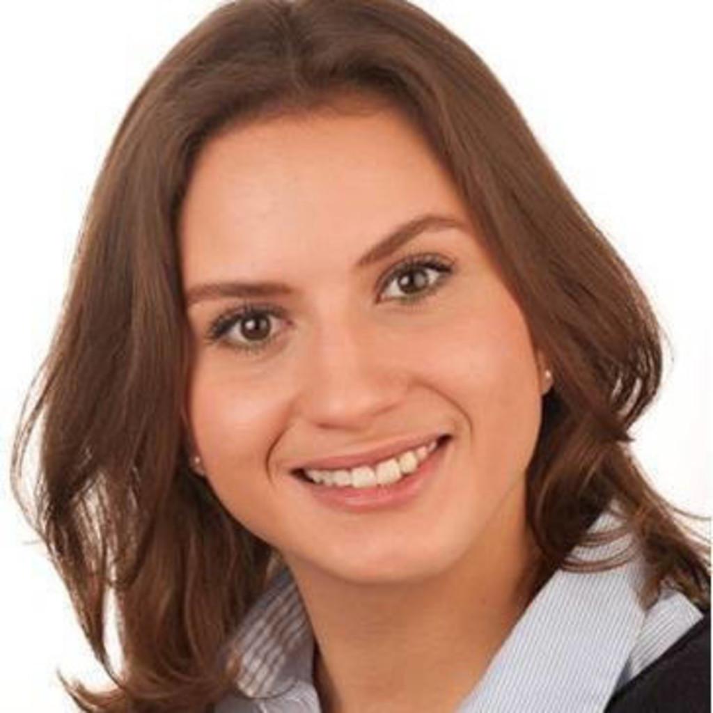 Julia Alizade's profile picture
