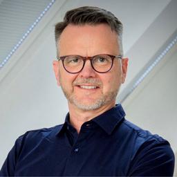 Dr. Dominik Faust - viadoo GmbH - München