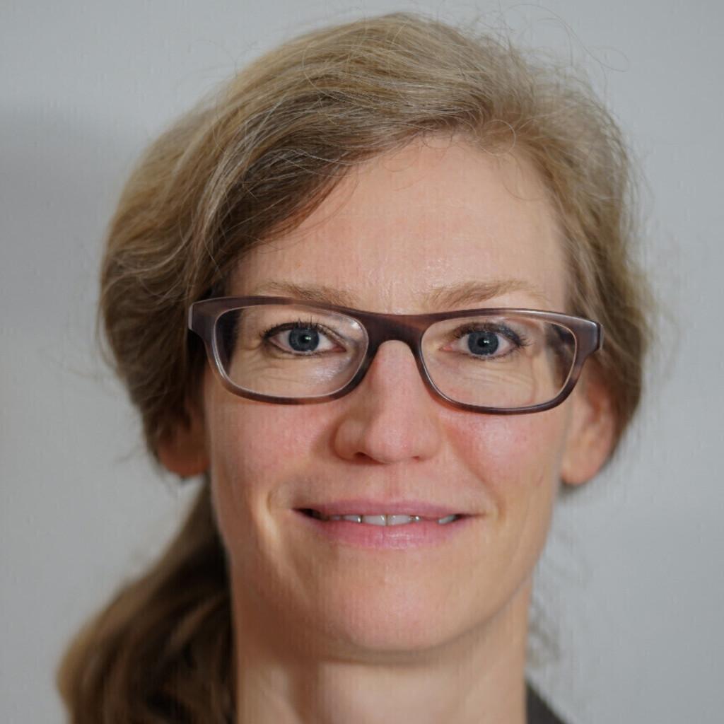 Sabine Ackermann Rau Analystin Medizinisches Underwriting