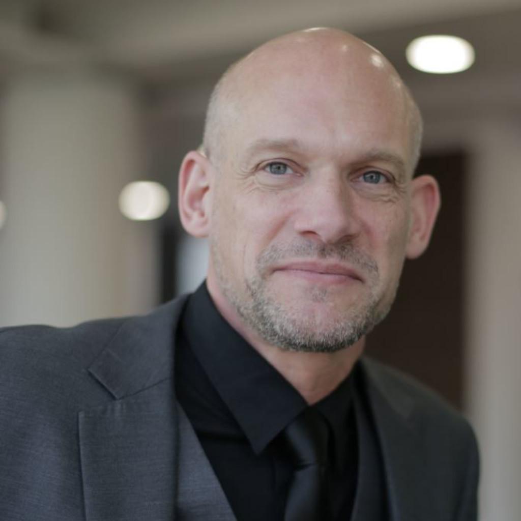 Kristian Debus - Director Life Sciences - Siemens PLM ...