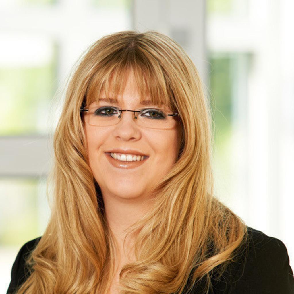 Nadine Dey - Sachbearbeiterin Vertriebsinnendienst - F