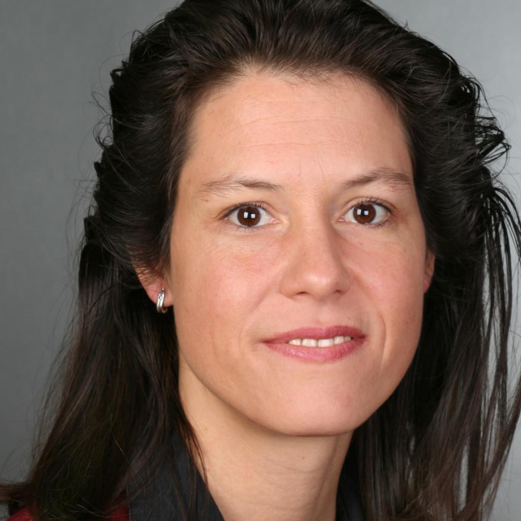 Dr andrea pfl ger kanzleimitarbeiterin rechtsanwalt for Ingenieur materialwissenschaften