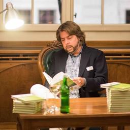 Prof. Dr. Nils Hafner - Institut für Finanzdienstleistungen Zug IFZ der Hochschule Luzern - Zug