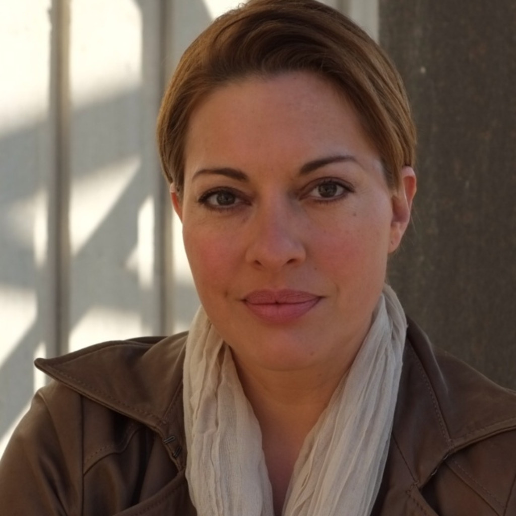 Julia Dahmen - Präsenz- und Medientrainerin - Camera-Acting-Studio Julia ...