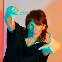 Nicole Cooper - MAKES YOU LOOK – Visual Merchandising & In-Store Design - Hamburg