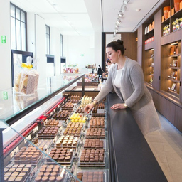 Rosalba Schiesser - Confiserie Schiesser AG am Marktplatz & Schiesser Chocolatier GmbH am Bankverein - Basel