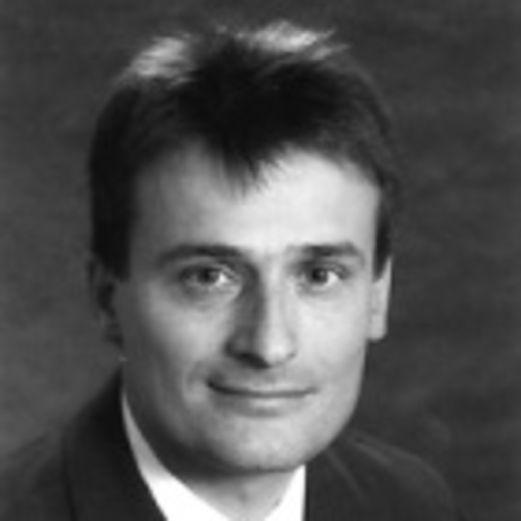 <b>Oliver Bienkowski</b> - Einsatzleiter / Incident Commander / Directeur des ... - roman-tepperwien-foto.1024x1024