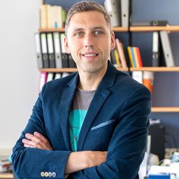 Dr. Robert Gutounig - FH Joanneum - Amsterdam