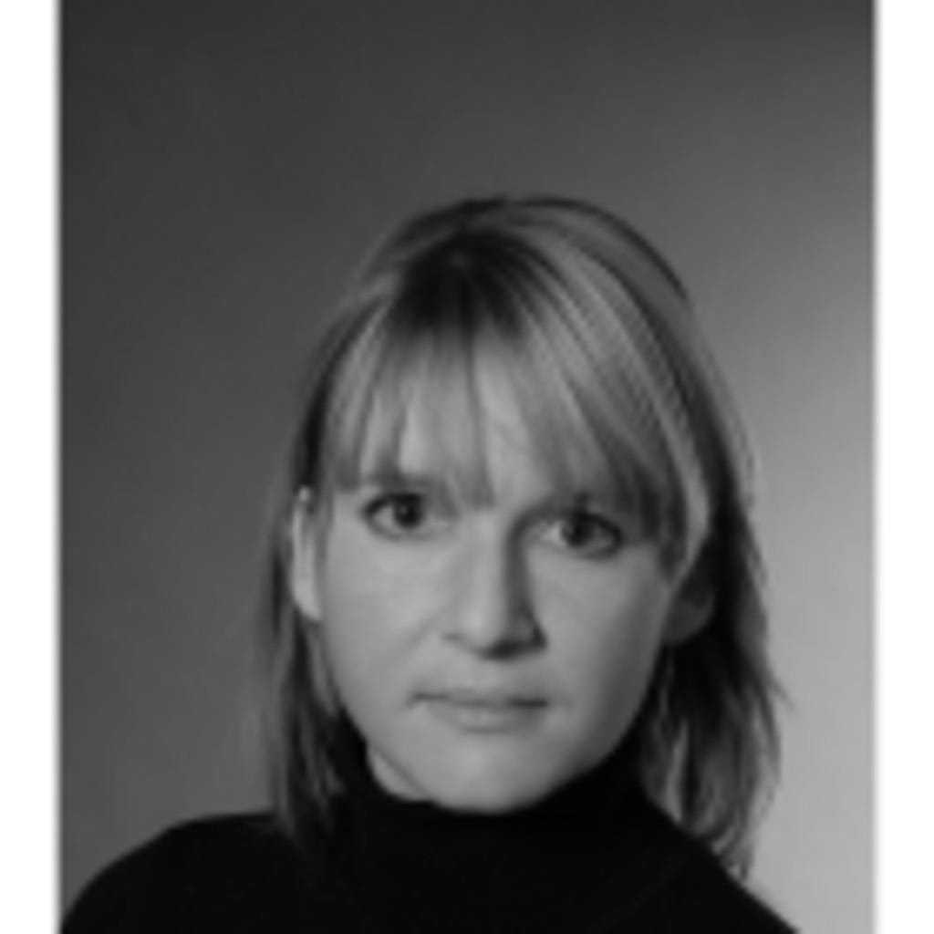 Dr Jasmin L Ffler Leitung Corporate Legal Department