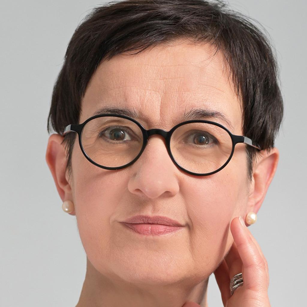 Bettina Jung