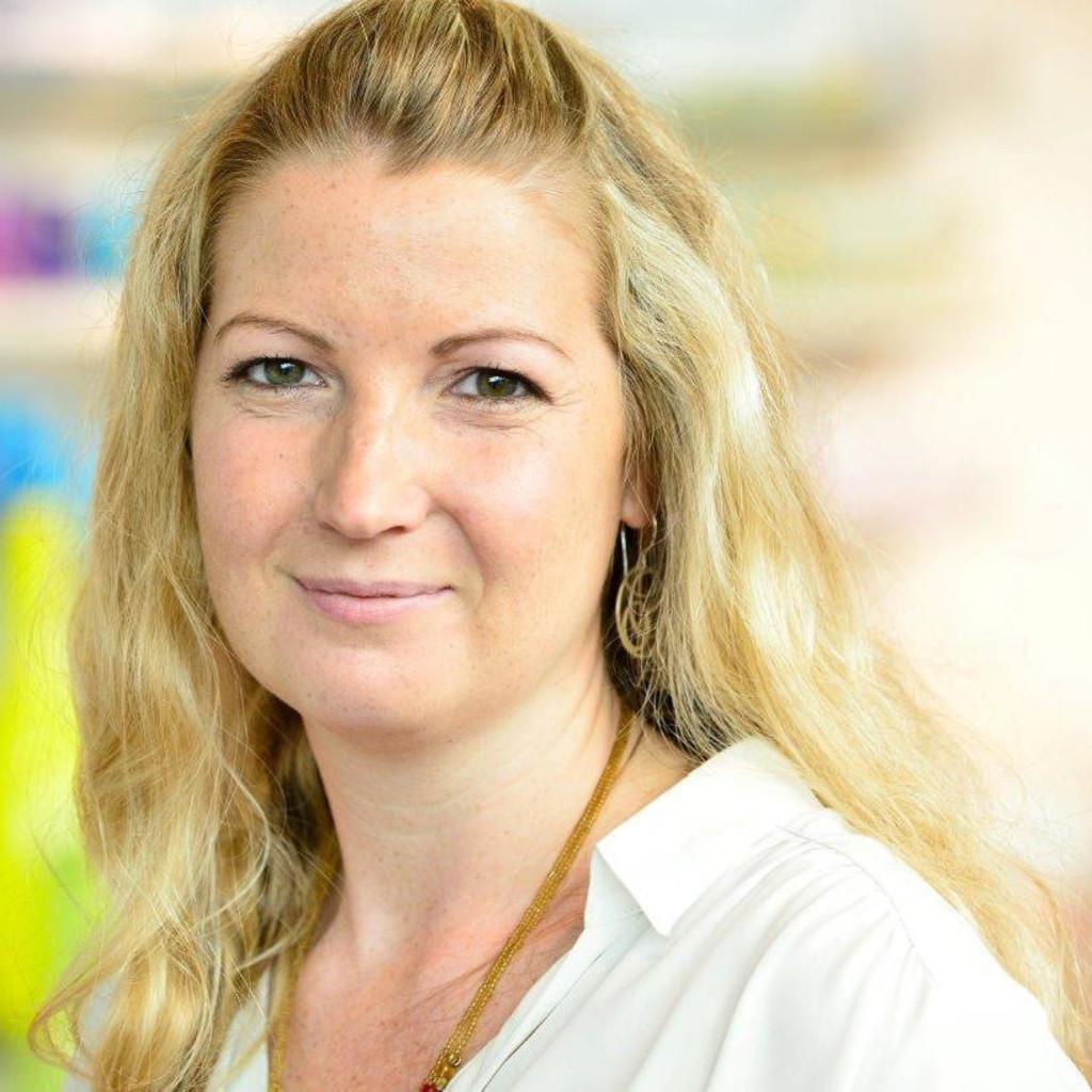 Julia Kegel - Geschäftsführung Plana Küchenland München - PK ...