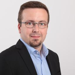 Dominik Gädke - ]init[ AG für digitale Kommunikation - Berlin