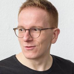 Jonas stallmeister senior visual designer centigrade for Grafikdesigner ausbildung frankfurt