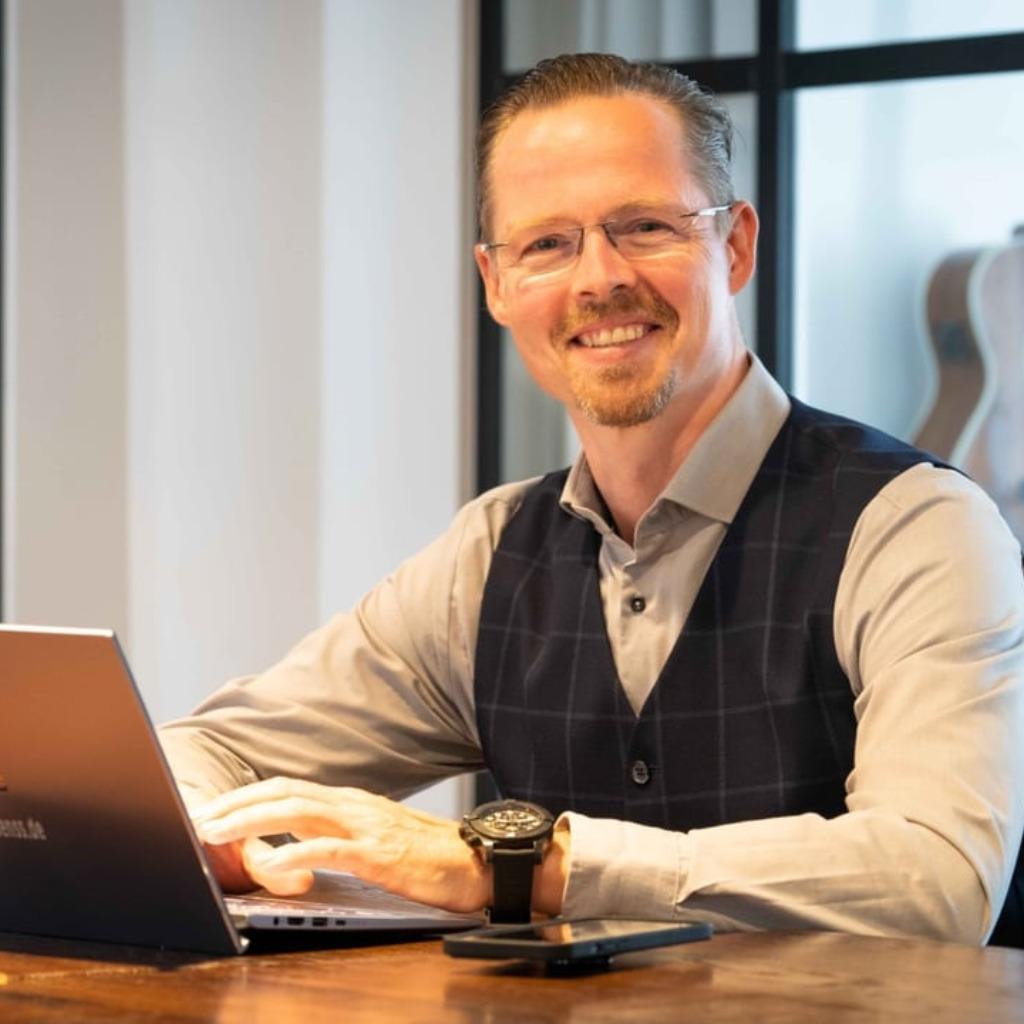 Dr. <b>Stefan Kuck</b> - Principal Consultant, Prokurist - consenss GmbH | XING - sebastian-schuldt-foto.1024x1024