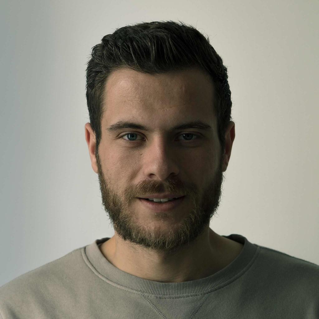 Mario simon art director antoni berlin gmbh co kg for Art director jobs berlin