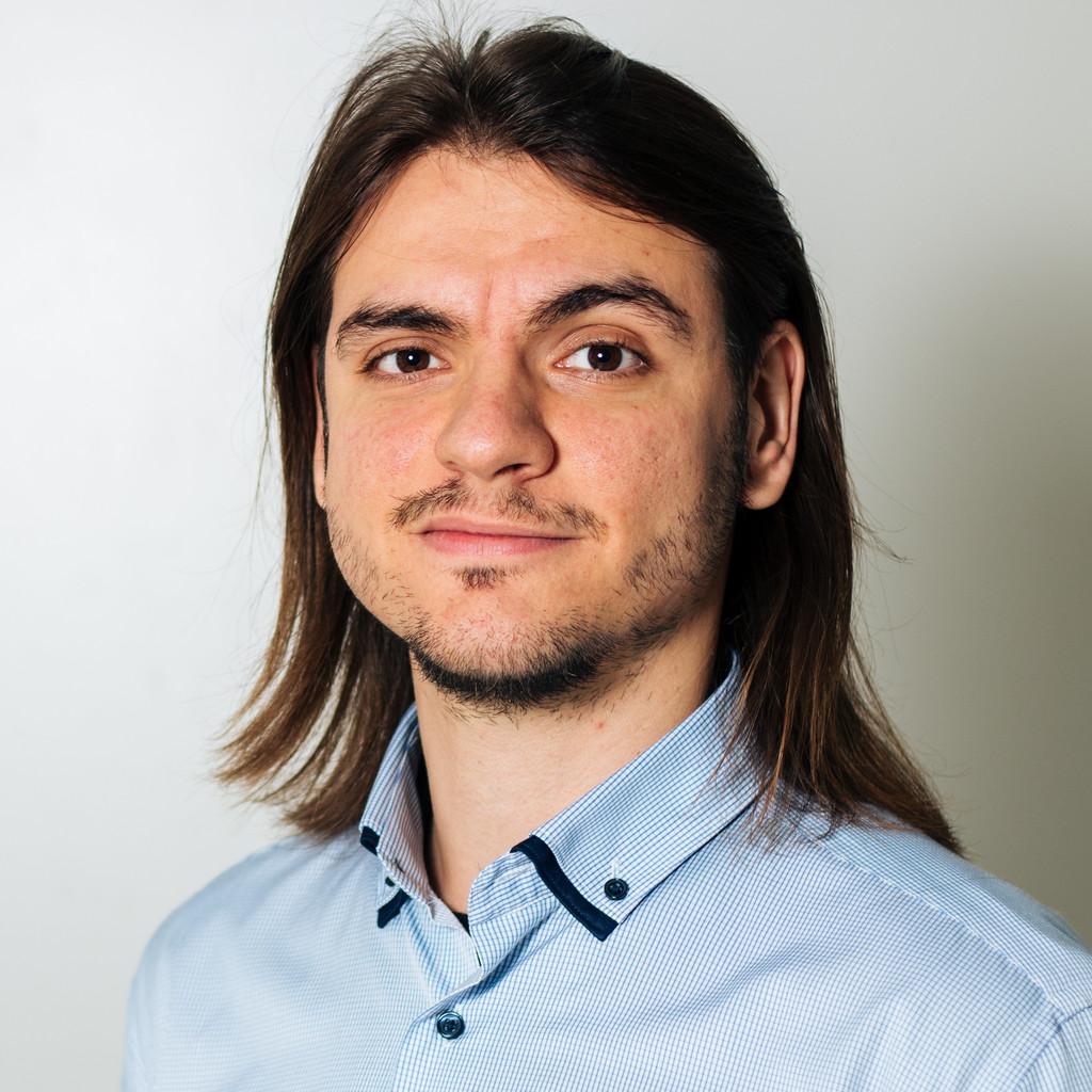 Daniel Divjakovic's profile picture