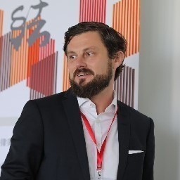 Dr. Timo Hohmuth