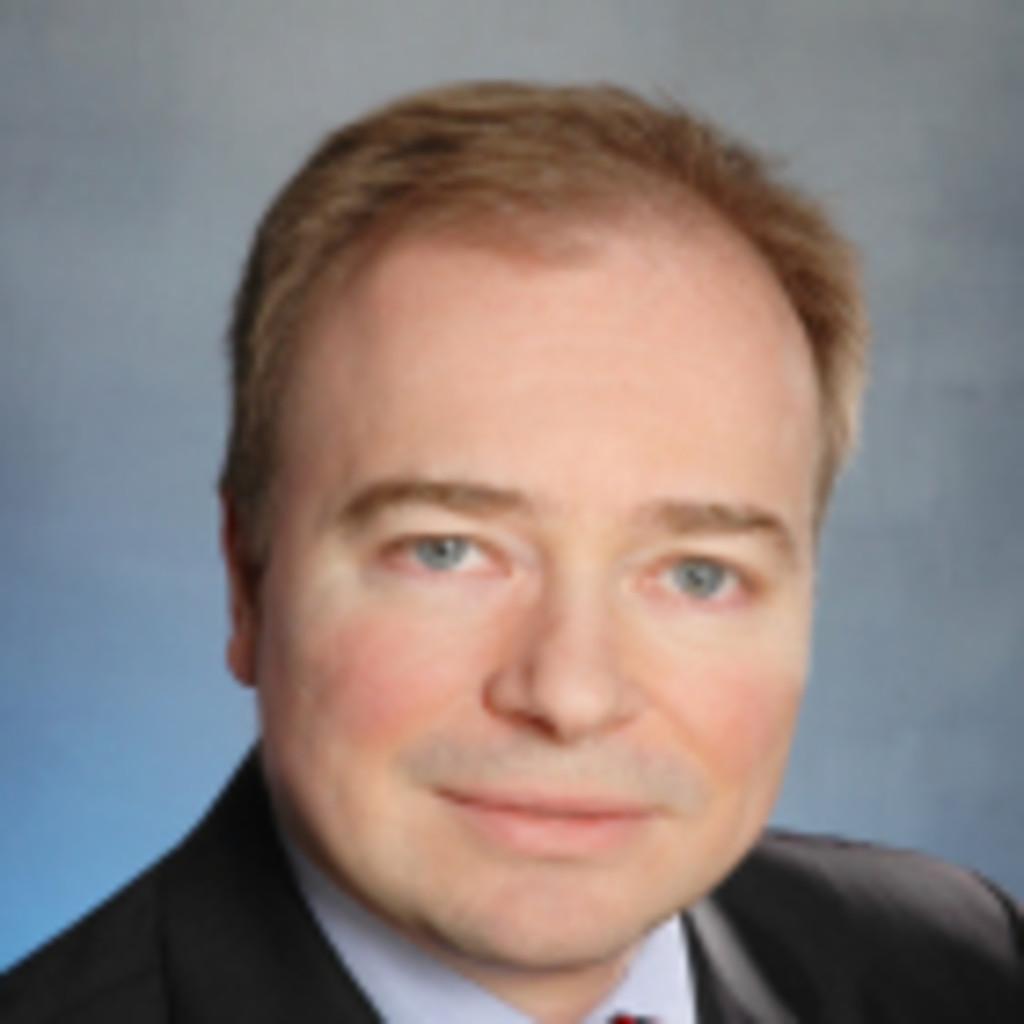 Christian koch middle office corporate governance vice for Koch oberursel