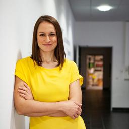 Dr. Julia Dubowy