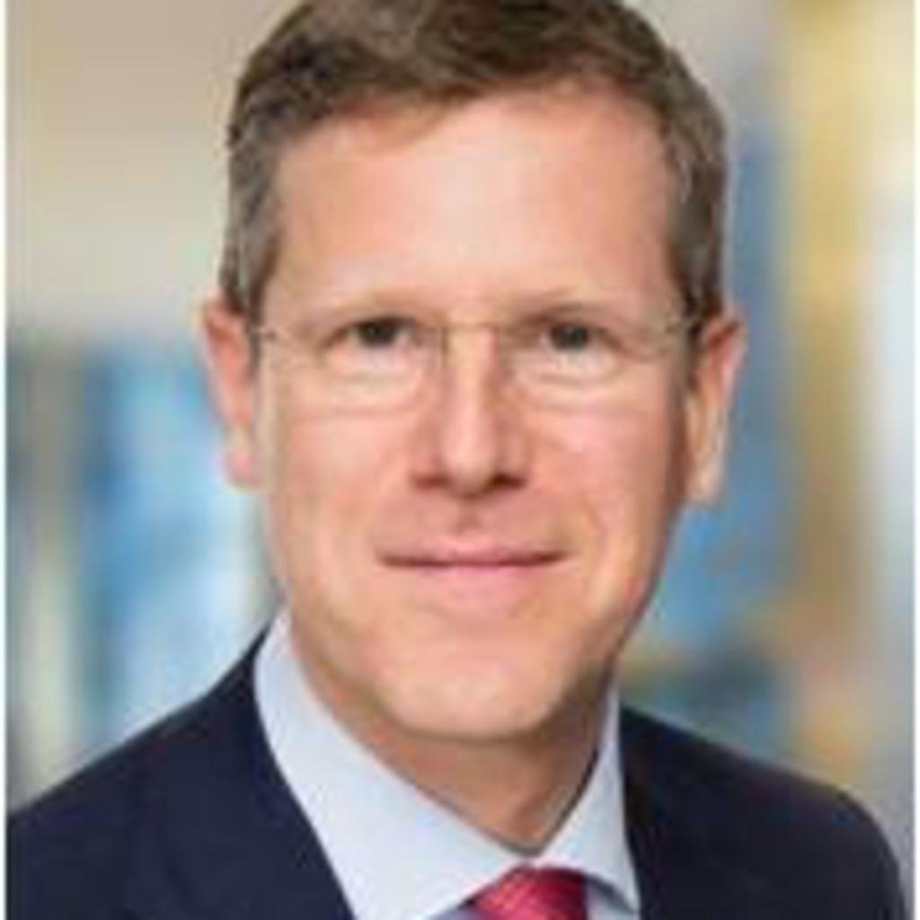dr ulrich keunecke national head of alternative investments legal co leiter capital markets. Black Bedroom Furniture Sets. Home Design Ideas